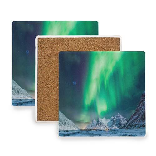 PANILUR Sternenklare Nachtlandschafts Bild des Nordlicht vorzüglichen Atmosphären Solarhügels,Untersetzer Saugfähige Keramik,für Tassen Tisch Bar Glas(2 Packs)