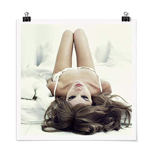 Bilderwelten Poster Déco Imprimé Come to Bed, Babe Carré Fini satiné Autocollant 90 x 90cm