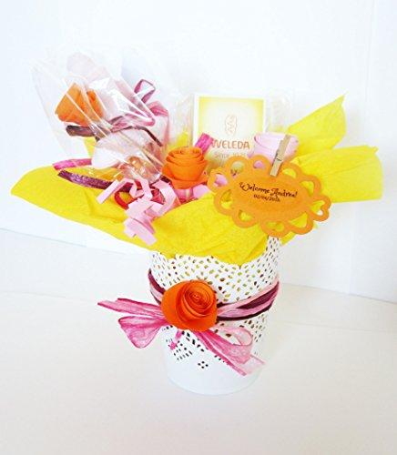 Idée cadeau pour bébé   Pot de fleur avec une crème pour le visage au calendula BIO et deux\