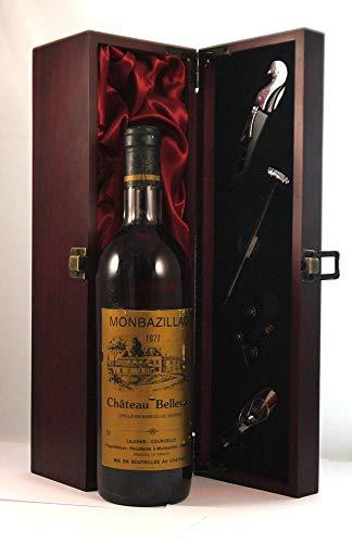 Chateau Bellevue 1977 Monbazillac in einer mit Seide ausgestatetten Geschenkbox, da zu 4 Weinaccessoires, 1 x 750ml