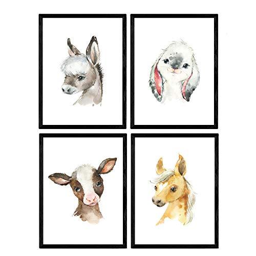 Pak van vier vellen met afbeeldingen van dieren. Poster met kinderfoto's van kinderen. Paard konijn koe en ezel. A3-formaat zonder lijst