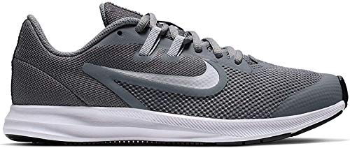 Nike Unisex-Kinder Downshifter 9 (gs) Leichtathletikschuhe, Mehrfarbig (Cool Grey/Metallic Silver/Wolf Grey 000), 38 EU