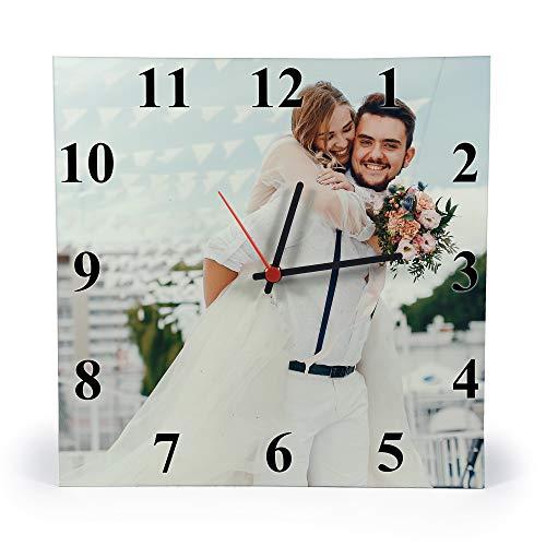 Gifty Lab Orologio Personalizzato con la Tua Foto - Orologio da Parete in Legno - Quadrato 30cmx30cm, Numeri Eleganti