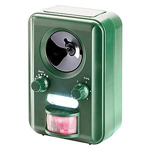 Die Frequenzen des Ultraschall-Tiervertreibers sind individuell auswählbar um wirksam Eindringlinge wie Hund, Katze, Marder, Waschbär, Dachs, Fuchs etc. zu vertreiben. Die Abwehrwirkung kann durch das LED-Blitzlicht noch verstärkt werden. Das Gerät s...