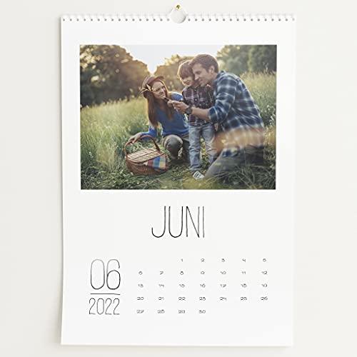sendmoments Fotokalender 2022 mit Relieflack, Lieblingsjahr, Wandkalender mit persönlichen Bildern, Kalender für Digitale Fotos, Spiralbindung, DIN A3 Hochformat