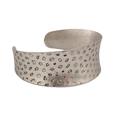 BENAVA Damen Armreif Armspange Breit im Antik Vintage Stil – Verstellbar Silber