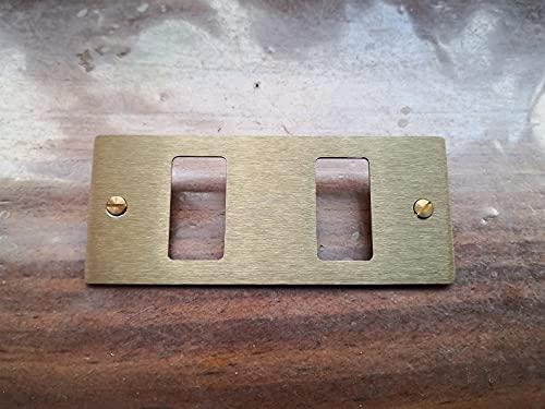 Placa de máscara dorada de 2 plazas y agujeros para Bticino Magic ADL Fonderia