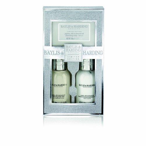Preisvergleich Produktbild Baylis & Harding Jojoba Silk und Almond Oil Trio Set (Duschgel und Bodylotion Geschenkset),  1er Pack (1 x 1 Stück)