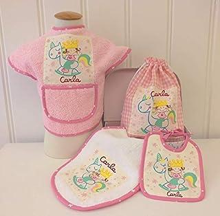 Canastilla bebé personalizada. Regalo original para un recién nacido, personalizado y hecho a mano. Incluye maletita y tar...