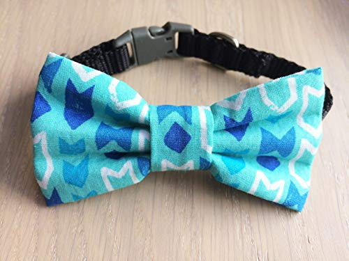 Blue Bowtie Geometric Arrows Over the Collar Pet Bow Tie