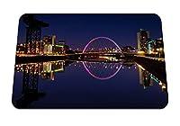 22cmx18cm マウスパッド (イギリススコットランドグラスゴー夜大学建物ライト川の反射) パターンカスタムの マウスパッド