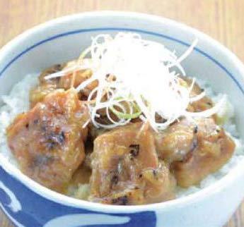 炭火焼鳥丼の具(塩味) 140g×5パック (nh100576)湯煎で温めるだけの簡単調理