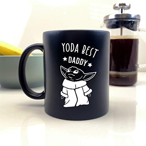 eBuyGB Personalisierbare Kaffeetasse, mattschwarze Baby-Yoda-Tasse, 350 ml, Teetasse mit Star-Wars-Motiv, lustiges Geschenk für Papa von Tochter, Sohn (Yoda Best Daddy)