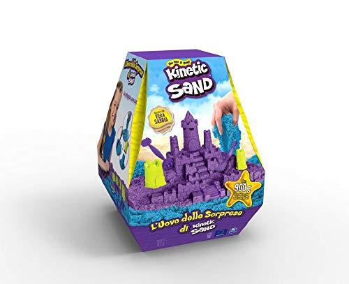 Kinetic Sand, Huevo de Las sorpresas, Paquete con + 900 Gramos de Arena y Accesorios, a Partir de 3 años – 6058628