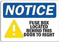 壁の看板の通知警告の看板装飾の通知右ビンテージルックの再生のこのドアの後ろにあるヒューズボックス屋内および屋外での取り付けが簡単なガレージ用のアルミニウム金属看板