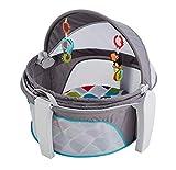 Fisher-Price FWX16 - Baby Reisekorb und Babybett für Unterwegs, faltbarer Korb mit Sonnen- und Insektenschutz inkl. 2 Spielzeugen ab der Geburt