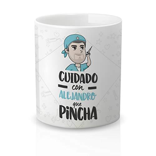 Yujuuu! | Taza personalizable con nombre | Taza cerámica para regalo original Profesión Enfermero. RESISTENTE 100% al microondas y lavavajillas. (Diseño 05) Frase cuidado que pincha