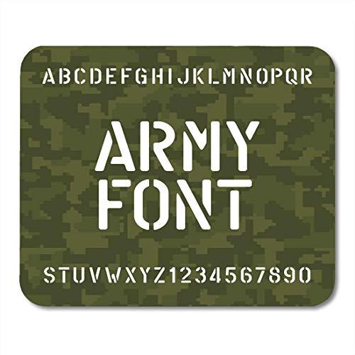 Muismat legergroen sjabloon alfabet letters en cijfers op typografisch karakter Camo voor uw design muismat camouflage