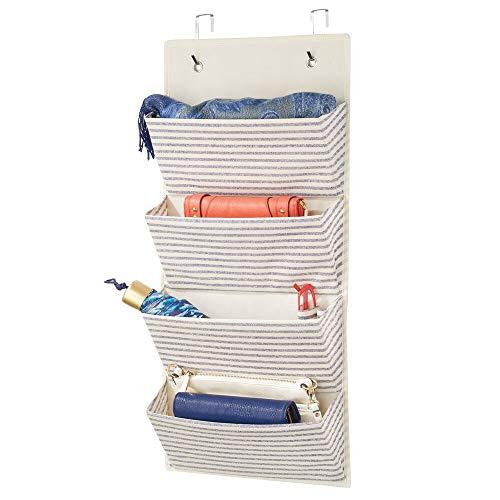 mDesign Organizador de armarios sin Taladro – Colgador de Ropa con 4 Compartimentos Grandes – Perchero de Puerta Multiusos para el Cuarto de los niños y el Dormitorio – Crudo/Azul Cobalto