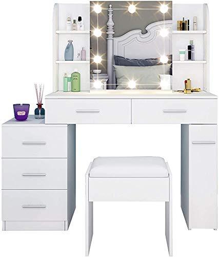 Aparador moderno y minimalista con cinco cajones con lámpara de tocador, un espejo con el desplazamiento de mesa y taburetes de vestir, una cómoda habitación,White