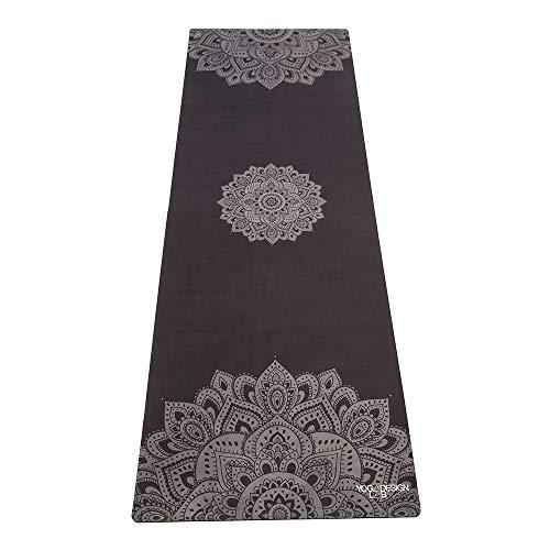 Yoga Design Lab Die Kombi-Yogamatte   2-in-1 Matte + Handtuch   inkl. Tragegurt   Mandala-Schwarz, 3,5 mm