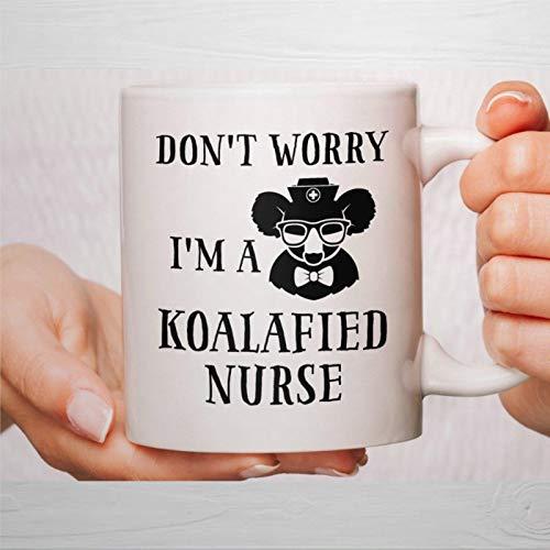 Taza de café, taza de café para enfermera, taza de enfermera, taza de café con texto en inglés 'I'm a Koalafied', regalo divertido para amigos, familiares, amantes y colegas, 450 ml
