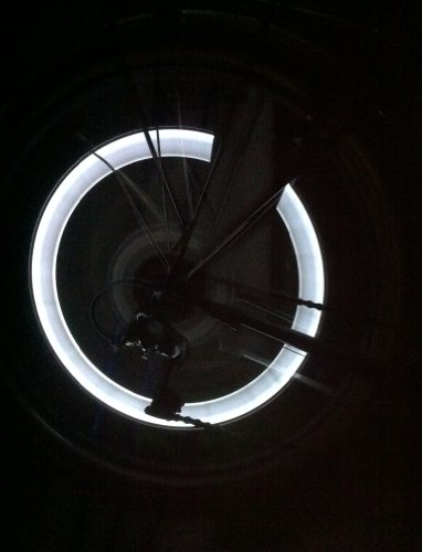 RBrothersTechnologie 2 Stück LED Ventilkappen Radbeleuchtung Licht Felgenlicht Tuning Auto WEISS
