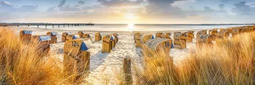 Voss Fine Art Photography Leinwandbild 90 x 30cm. Strandkoerbe im Sonnenaufgang am Strand von Scharbeutz. Panorama Foto als Leinwand Wandbild.