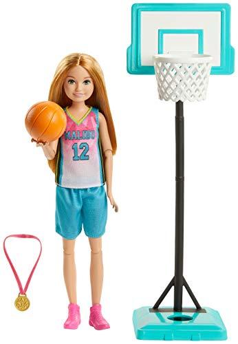 Barbie Dreamhouse Adventures, Stacie A Jugar el Basket Muñeca con Accesorio de...