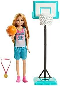 Barbie Dreamhouse Adventures, Stacie A Jugar el Basket Muñeca con Accesorio de Deportes (Mattel GHK35)
