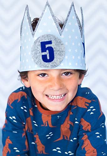 corona cumpleaños Der Wollprinz, corona para bebe y niño de fieltro y tela en celeste con estrellas blancas con los números 1,2,3, 4