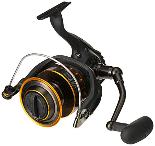 Daiwa BG Saltwater Medium/Xtra Heavy Spinning Reel, Black/Gold - BG3000