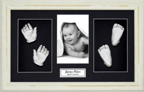 Anika-Baby Kit de moulage de pieds et de mains de bébé avec cadre style Shabby Chic à passe-partout et peinture métallique Crème/noir/argenté Taille L 37 x 22 cm