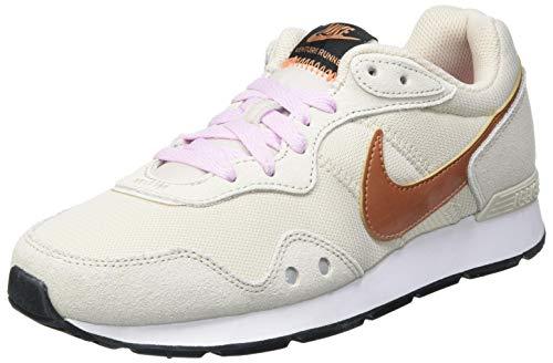 Nike Intersport Damen Venture Runner Walking-Schuh, Lt Orewood BRN Metal, 40 EU