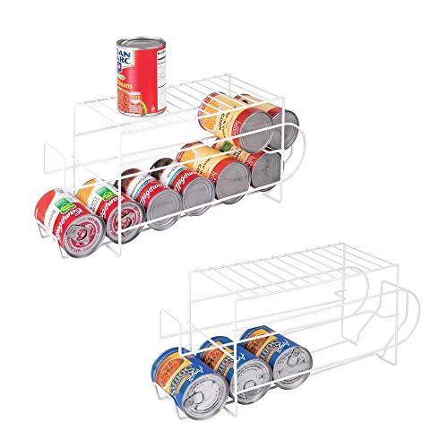 mDesign Juego de 2 organizadores de frigorífico para alimentos – Moderno organizador de cocina para latas de bebida y conservas – Soporte y dispensador de latas de metal para nevera o armario – blanco