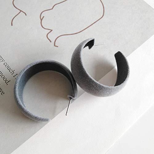 DFDLNL Ear Cuffs For Women Winter Plush Velvet Circle C Shape Earrings Vintage Joker Temperament Stud Pendientes Femeninos para MujerGris