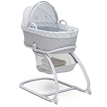 Delta Children Deluxe 2-in-1 Moses Bedside Bassinet Portable Crib Windmill