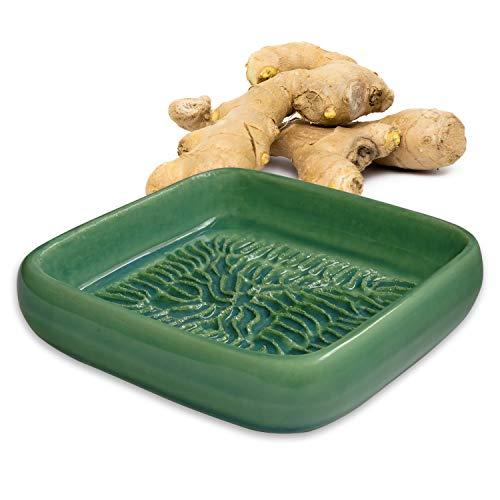 ANCKERAMIC® Ceramico Reibe – Muskatreibe, Ingwerreibe, Parmesanreibe aus Keramik, Handarbeit mit Design aus Finnland, (Lindgrün)