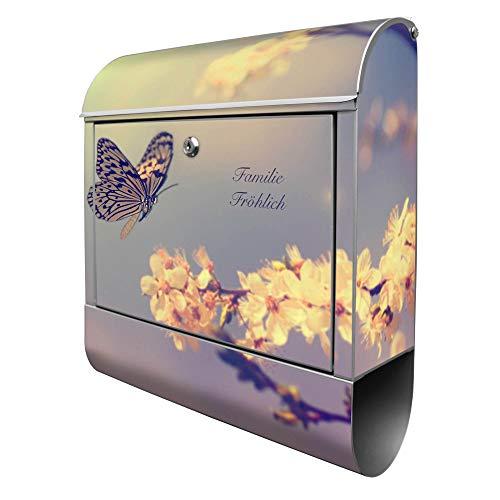 Banjado Design Briefkasten personalisiert mit Motiv Tag Im Mai | Stahl pulverbeschichtet mit Zeitungsrolle | Größe 39x47x14cm, 2 Schlüssel, A4 Einwurf, inkl. Montagematerial