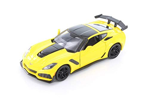 Showcasts 2019 Chevy Corvette ZR1 Hardtop, Yellow 79356YL - 1/24 Scale Diecast Model Toy Car