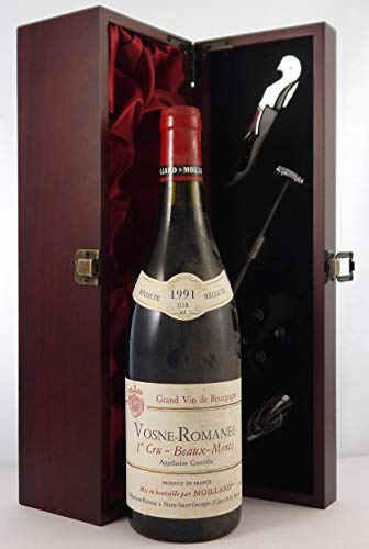 Vosne Romanee 1er Cru Beaux Monts 1991 Moillard en una caja de regalo forrada de seda con cuatro accesorios de vino, 1 x 750ml