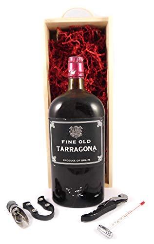 Fine Old Tarragona 1950's in einer Geschenkbox, da zu 4 Weinaccessoires, 1 x 700ml