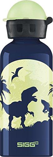 SIGG Glow Moon Dinos Kinder Trinkflasche (0.4 L), schadstofffreie Kinderflasche mit auslaufsicherem Deckel, federleichte Trinkflasche aus Aluminium