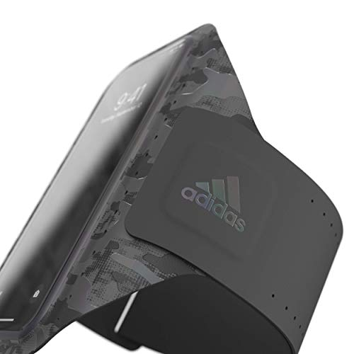 アディダスパフォーマンススマホ用アームバンドランニングスポーツユニバーサルタイプiPhone6+/6S+/7+/8+/XSMax/XR等対応カモ柄ブラック[adidasSPUniversalarmbandsizeLCAMOFW19black]