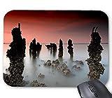 Stone Pillar Mountain en la Nube Alfombrilla De Raton