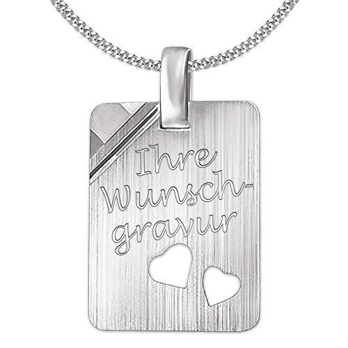 Clever sieradenset met gravure: Gravureplaat rechthoekig mat met afgeronde hoeken, 2 harten open, een hoek glanzend met ketting, beide sterling zilver 925 in etui