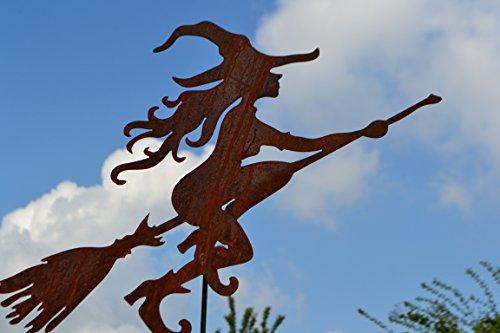 Maison en France Gartenstecker- lustige Hexe Edelrost - Gesamthöhe 120 cm hübsche Hexe auf Besen -Gartendekoration - sehr Gute Qualität- witterungsbeständig + frostsicher