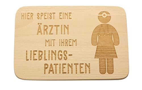 Spruchreif PREMIUM QUALITÄT 100{fa2289b5279816cad5c15d54d3535b73f795bf56fcc6ada79295884ce394a457} EMOTIONAL · Frühstücksbrettchen aus Holz· Brotzeitbrett mit Gravur · Geschenke für Ärztinnen · Geschenk für Arzt als Dankeschön · Geschenkideen für Ärzte
