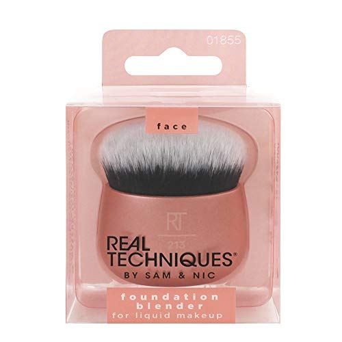 Real Techniques Makeup Blender Brush for Liquid Foundation, Versatile for Cream and Powder Foundations