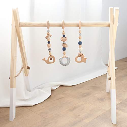 Mamimami Home Bambino Giocattolo in Legno Attività Baby Gym Musica pieghevole in legno naturale con 3 giocattoli rimovibili fatti all'uncinetto - barra di legno per neonati per attività e gioco